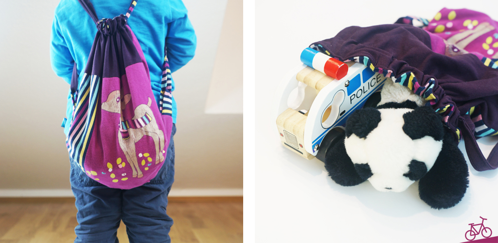 Hier seht ihr ein Kind mit dem Turnbeutel auf dem Rücken und eine Aufnahme des Turnbeutels mit Spielsachen.