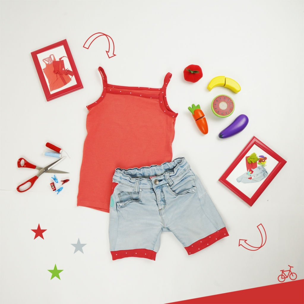 Upcycling Outfit Jeans Shorts mit Erdbeere und Spaghetti-Träger Top