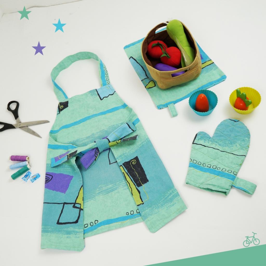 Kinder-Küchenset aus Schürze, Geschirrhandtuch und Backhandschauh, Upcycling aus Bettwäsche