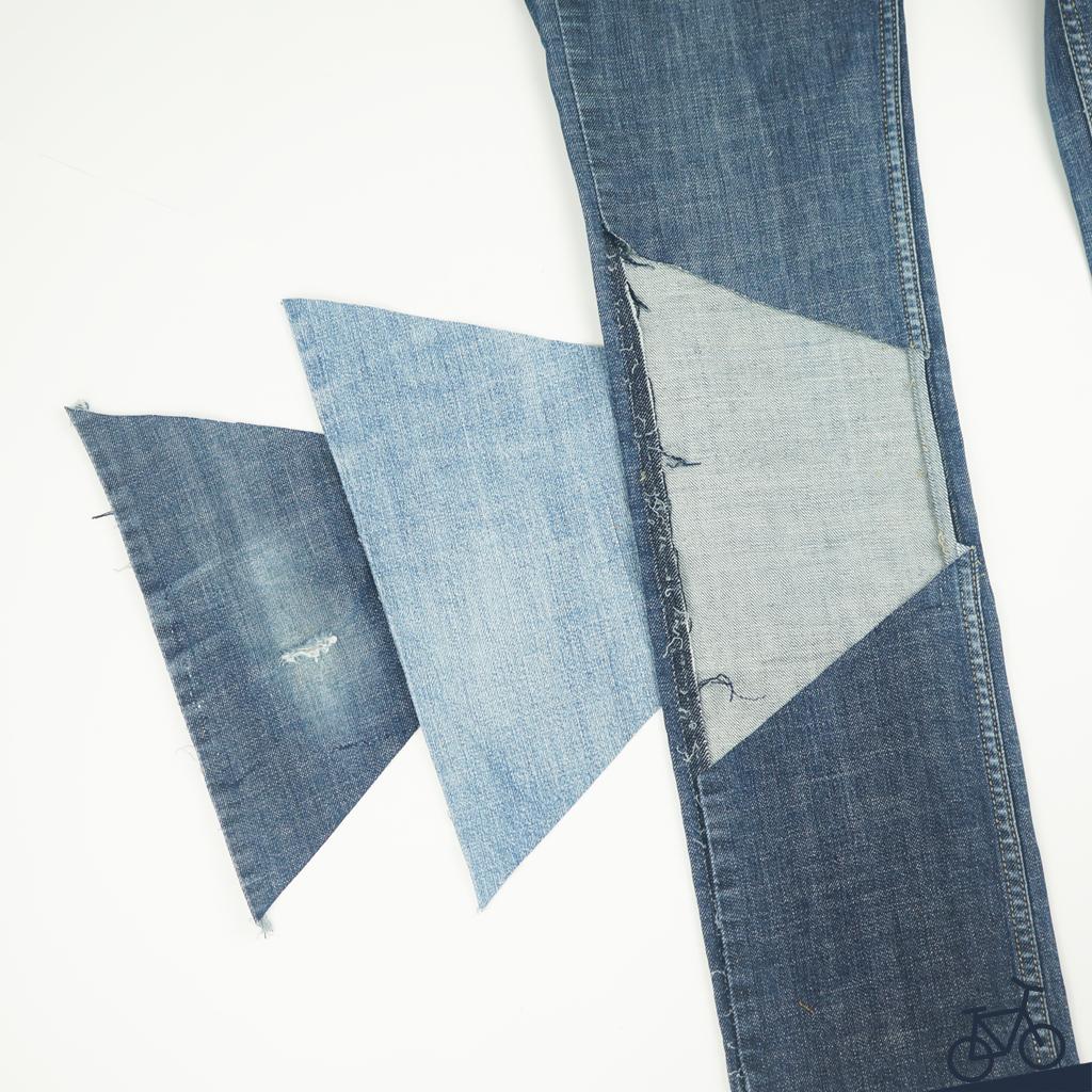 Neues Mittelstück am Knie einer Jeans einnähen